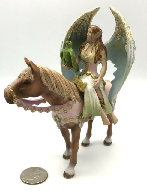 Schleich Bayala World Of Elves Model 70529 Surah/'s Feathered Foal