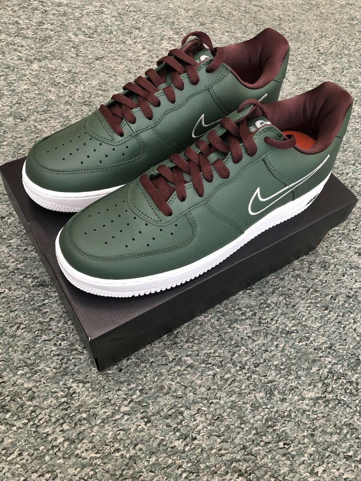 Nike Air Force 1 Low Hong Kong Retro UK10