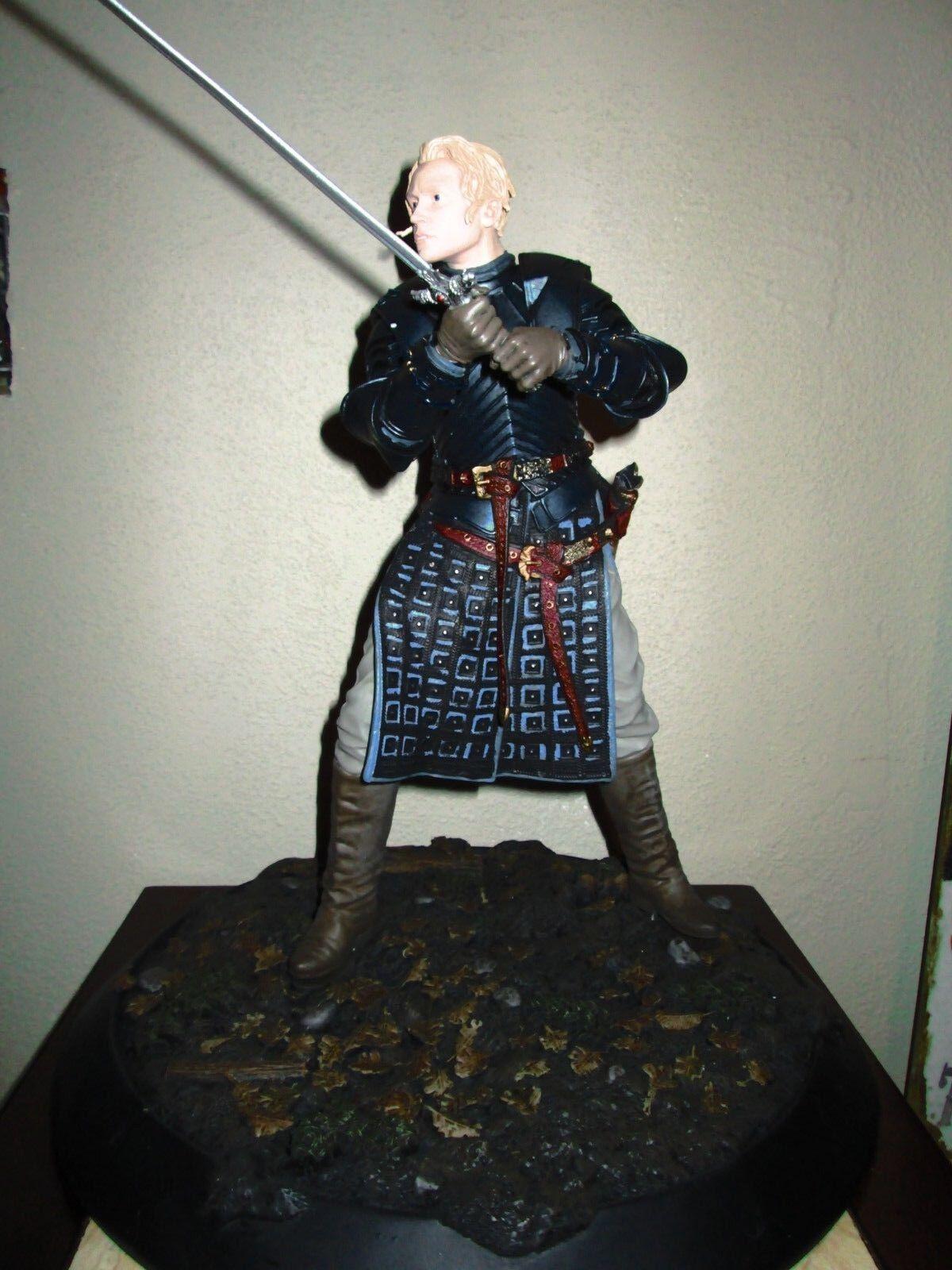 Dark Horse Deluxe Juego of Thrones  Brienne of Tarth Estatua