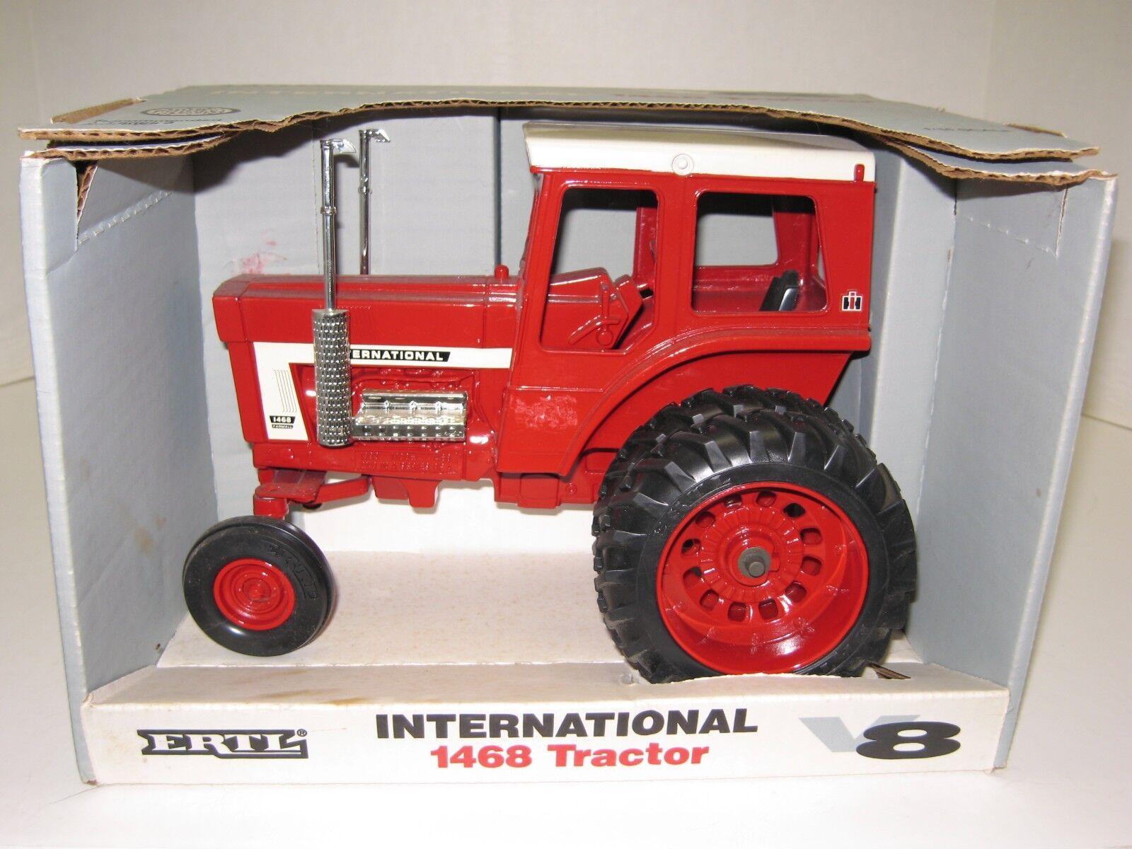 1 16 International 1468 V-8 avec  DUALS nouveau in Box LIVRAISON GRATUITE  grand choix et livraison rapide