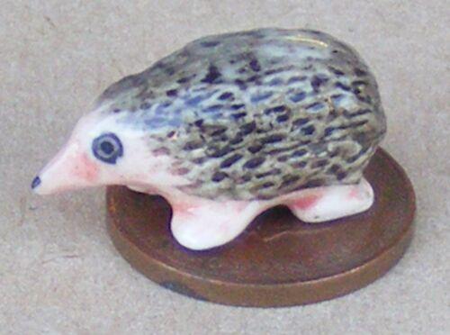 Escala 1:12 de cerámica erizo tumdee Casa De Muñecas En Miniatura De Jardín Animal B