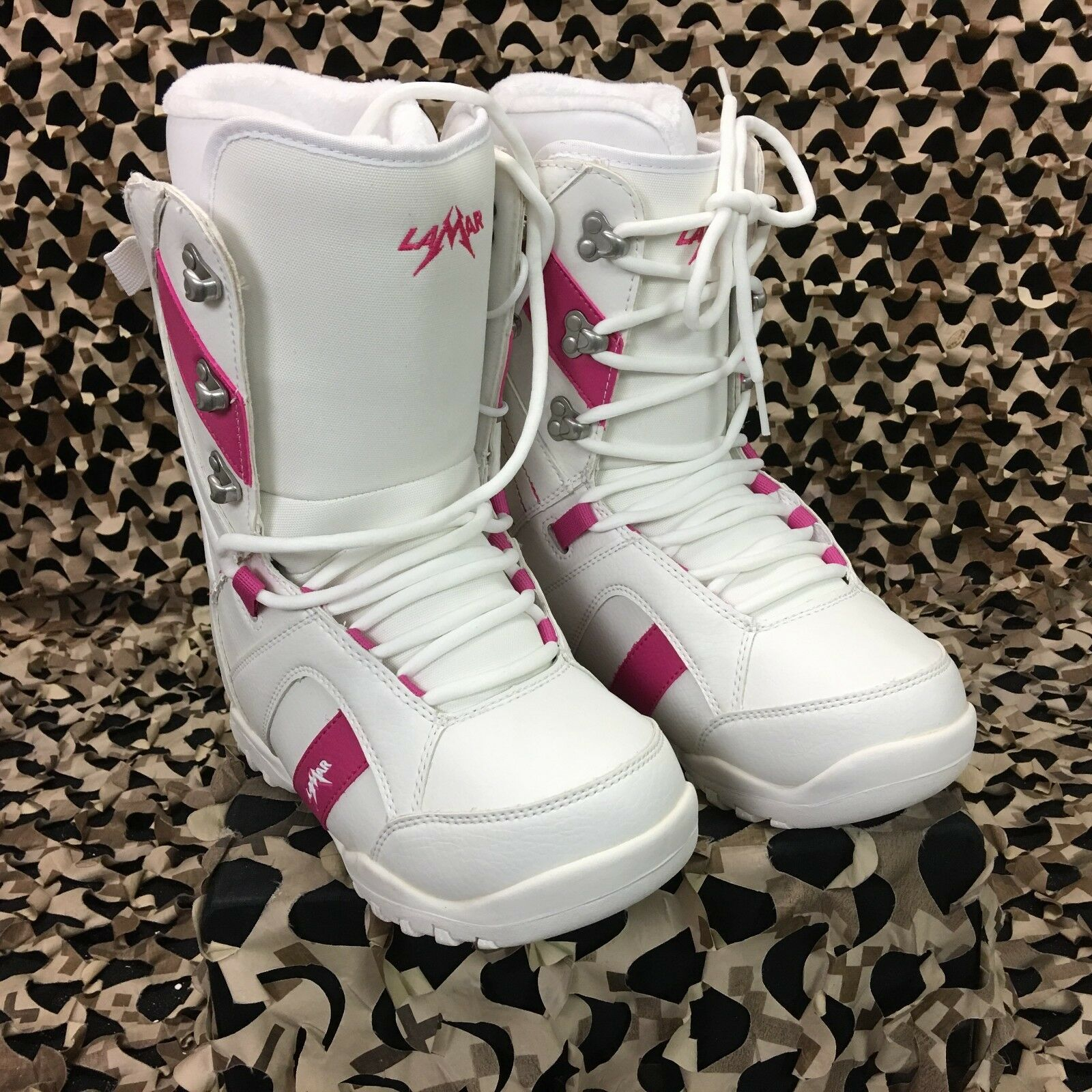 New Lamar Liftie White Snowboard Boots - Women's Size 7