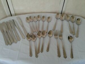 International-Colonial-Manor-26-Pc-Stainless-Flatware-Knives-Forks-Spoons