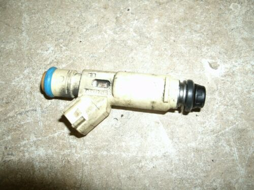 01-04 FORD ESCAPE// MAZDA TRIBUTE 3.0L 6 CYLINDER  FUEL INJECTOR