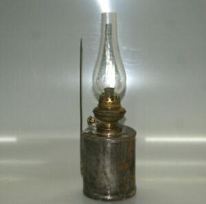 alte Petroleumlampe Wandlampe zum Hängen und Stehen Carl Kneusel um 1910