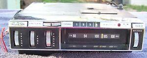 VINTAGE FM 8 TRACK RADIO