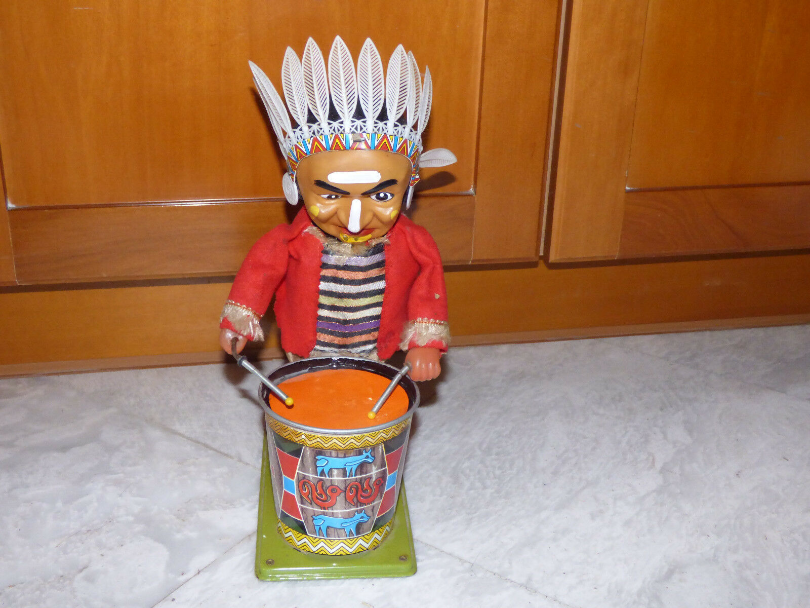 Batterie - trommeln, native american indian tin toy 1950er nomura aus japan