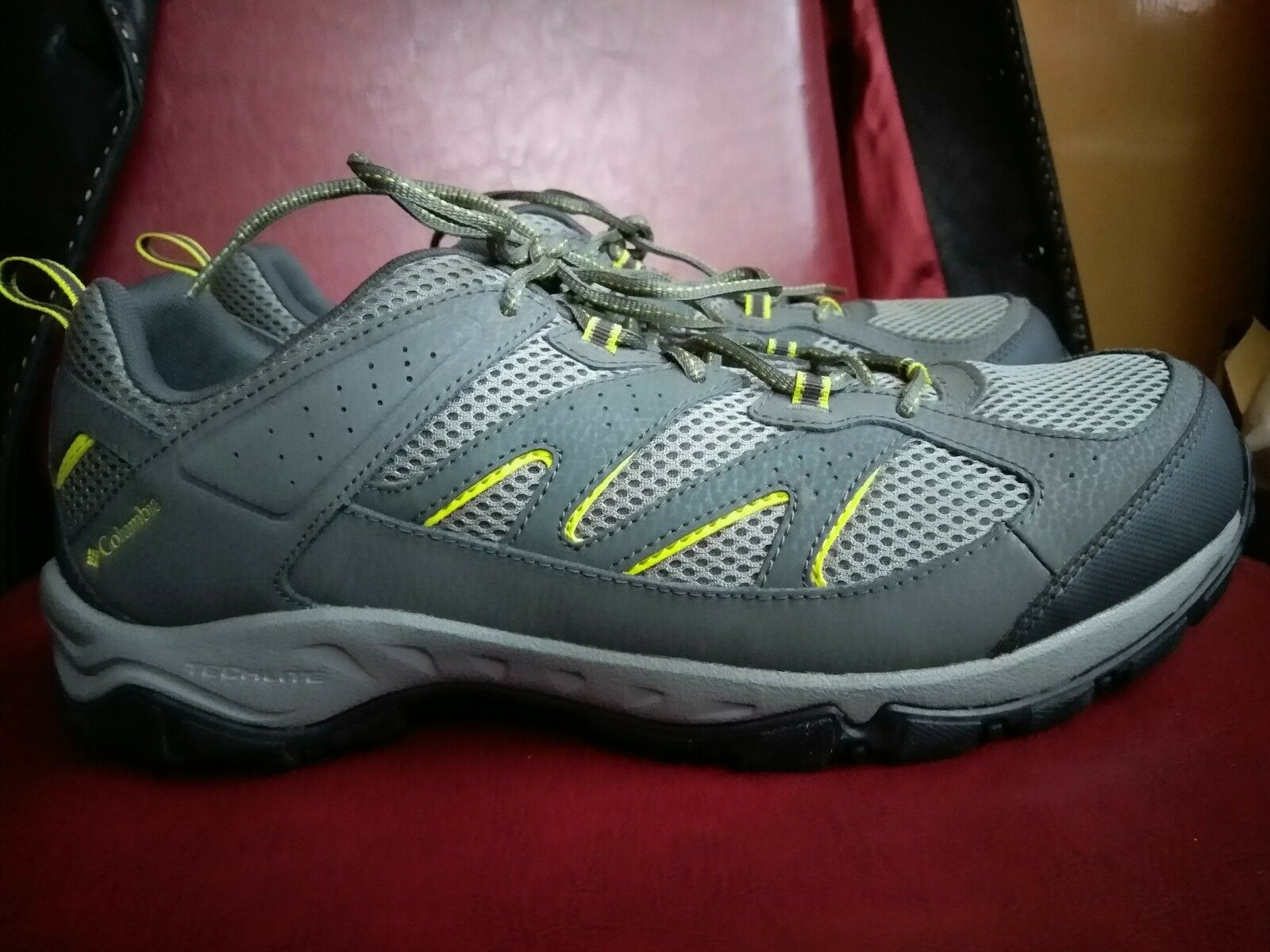 New Columbia men hiking shoe Kenosha size 14