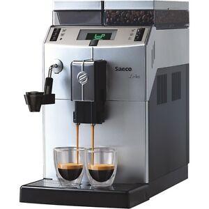 Saeco-Lirika-Macchiato-Silber-Kaffee-Vollautomat-2-5l-Wassertank-Dampfduese