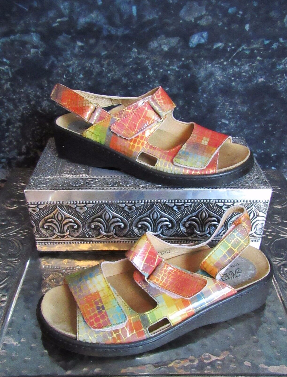 Helle Comfort colorful Leather Sandals. Size 7. Euro 37. Very Unique.