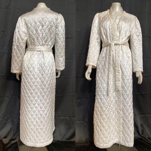 Vintage BARBIZON Quilted Robe 1960s Housecoat | Lo