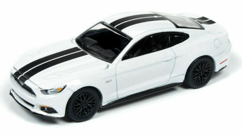 2017 Ford Mustang GT White//Stripes auto World 1:64 OVP RR