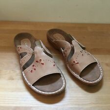 4631b9207 CLARKS Women s Sz 9M Natural Brown Nude Leather Slides Sandals with Cut-Outs