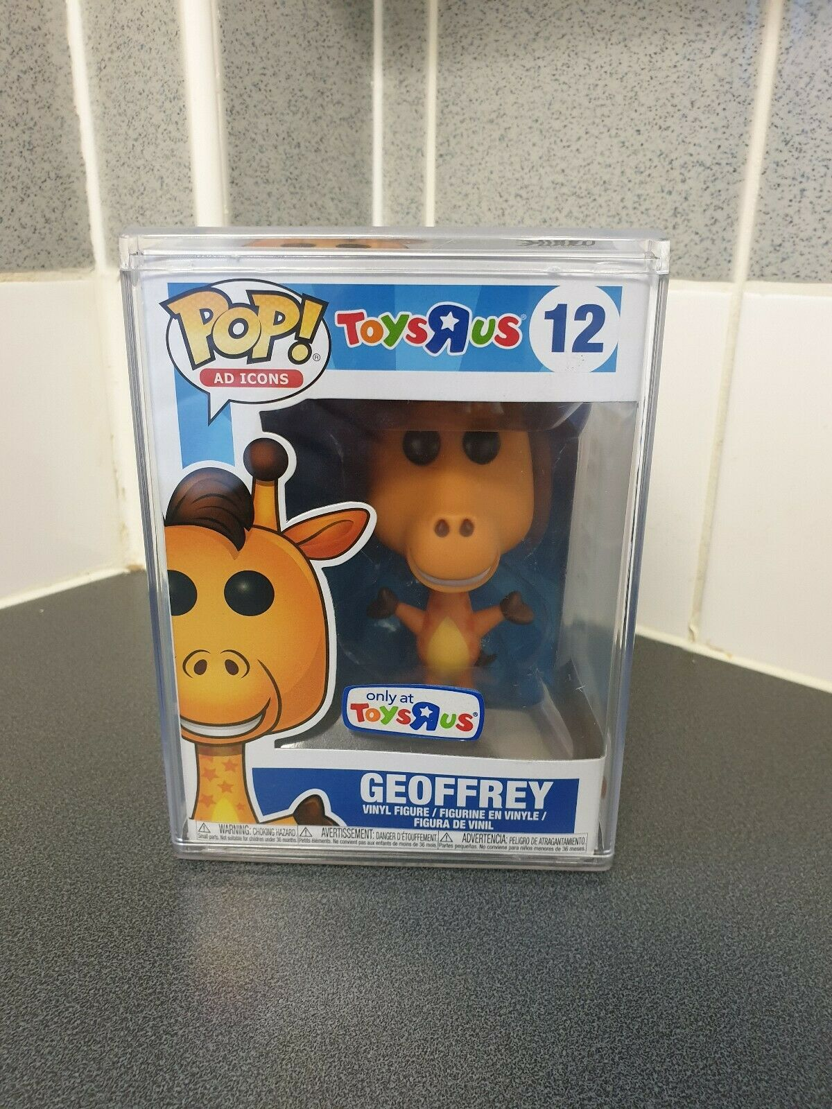 GEOFFREY THE GIRAFFE  12 FUNKO POP  TOYS 'R' US IN PROTECTIVE CASE