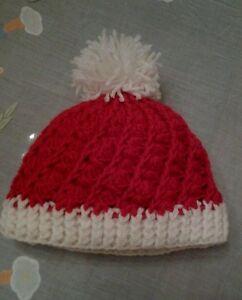 berretto-bimbo-a-unisex-in-lana-realizzato-a-mano-col-Rosso-idea-regalo