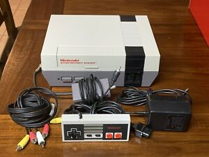 Nintendo-Entertainment-System-NES-Console-Controller-and-Cables-Authentic
