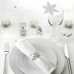 Shimmering-snowflake-place-cards-for-glasses-Christmas-wedding-table-decoration