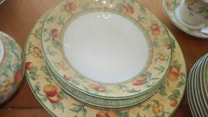 Dinnerware Set Valencia by CHURCHILL Red and Orange Fruits s/6+ VGUC 40 piece
