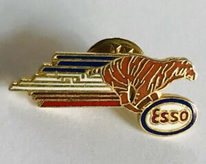 Esso-Oil-Brand-Tiger-Lion-France-Advertising-Pin-Badge-Rare-Vintage-F11