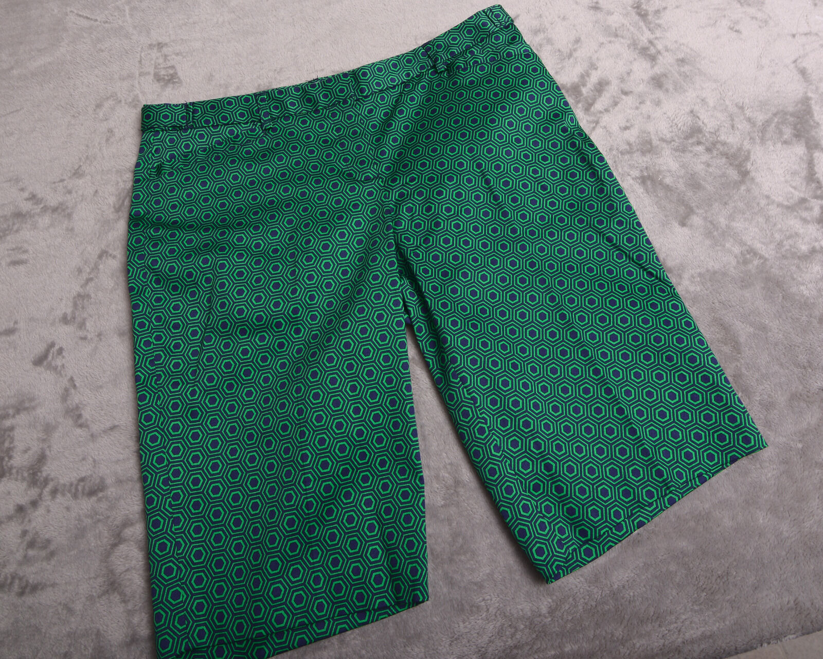 LAUNDRY by Shelli Segal Women's SHORTS Size 8 Geo Print   NWT NEW
