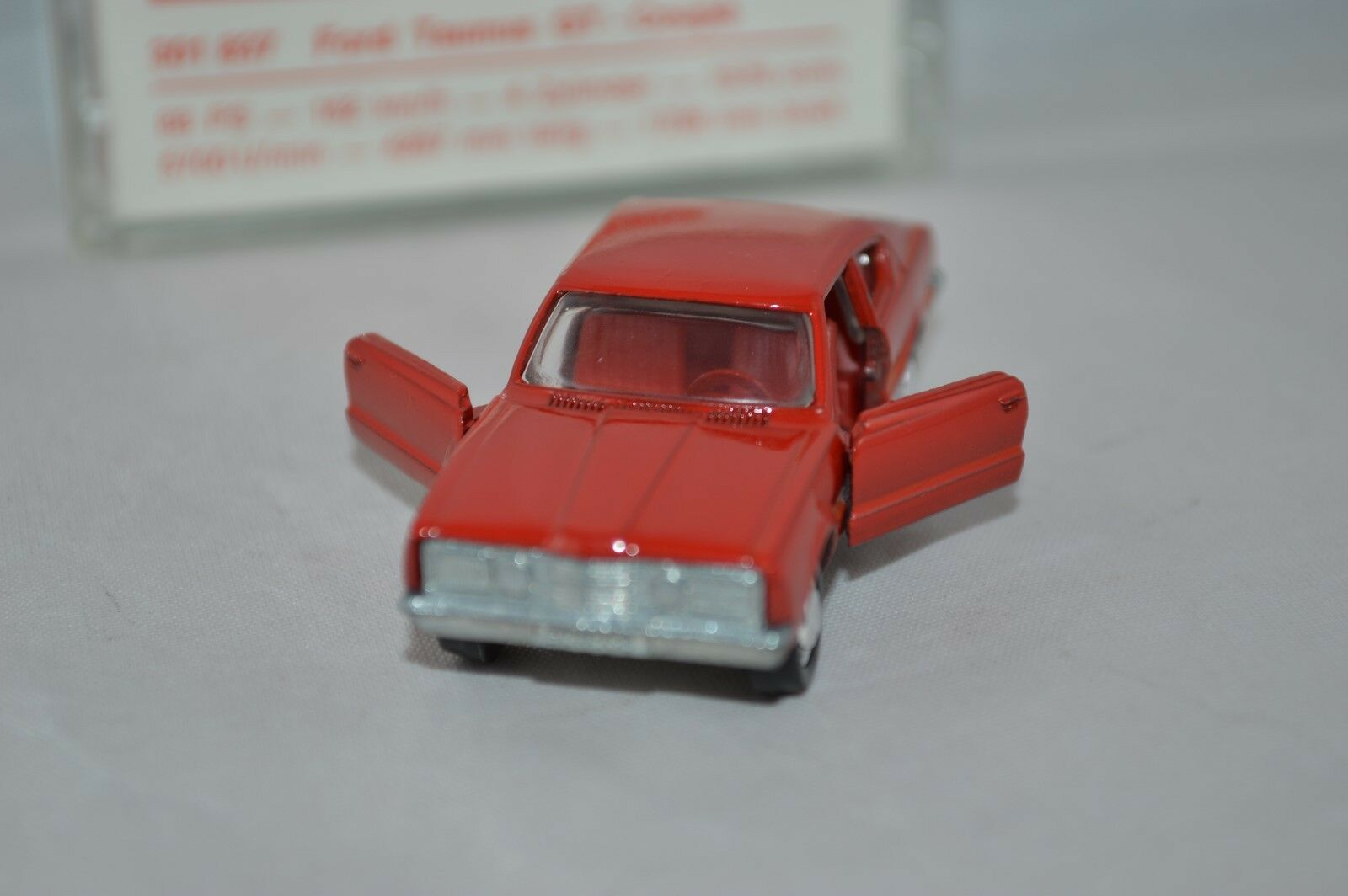 Schuco 301 837 Ford Taunus GT-Coupe      Mint in Box. 5d43ad