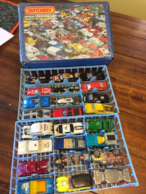 Vintage Matchbox Official Collectors Case Holds 24 Models with 24 Cars