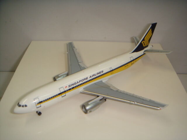 Aeroclassics 400 Singapore Airlines SQ A300-B4  1980 S couleur  1 400