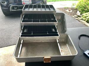 Vintage UMCO 204 A 3 Tray Aluminum Fishing Tackle Box