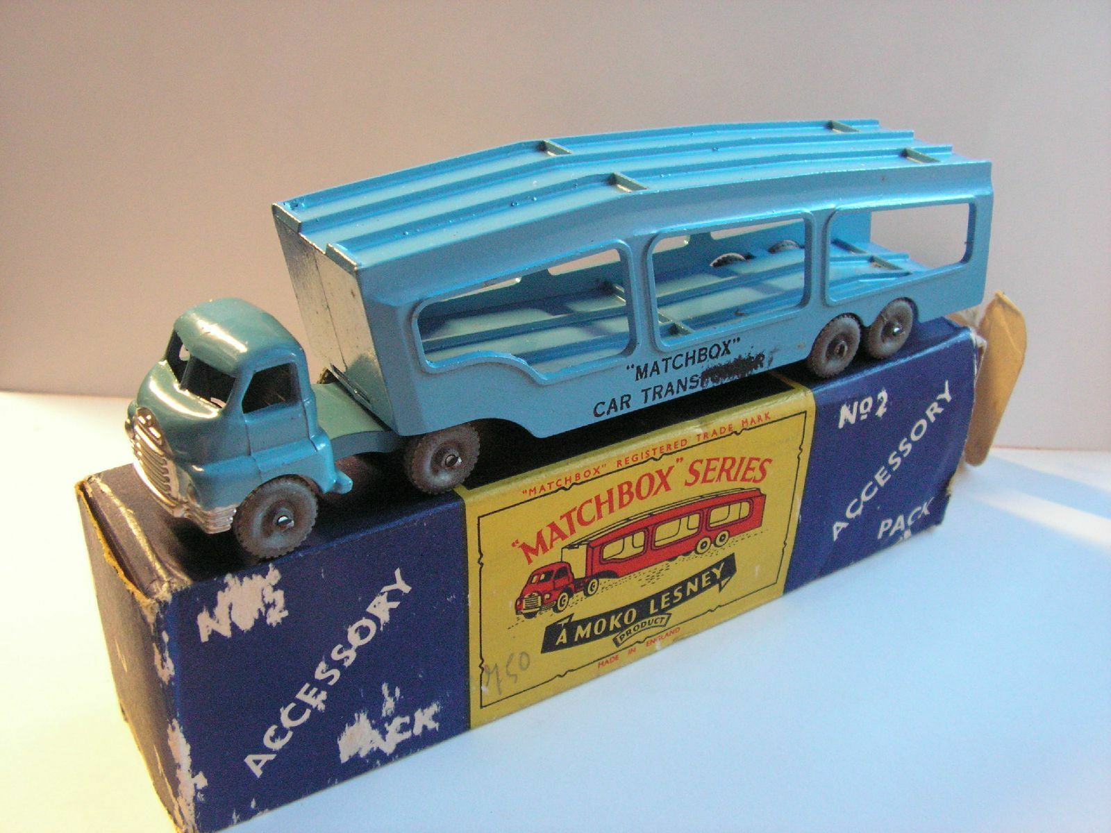 Matchbox lesney accessory pack no. a-2 bedford  s  type car transporter