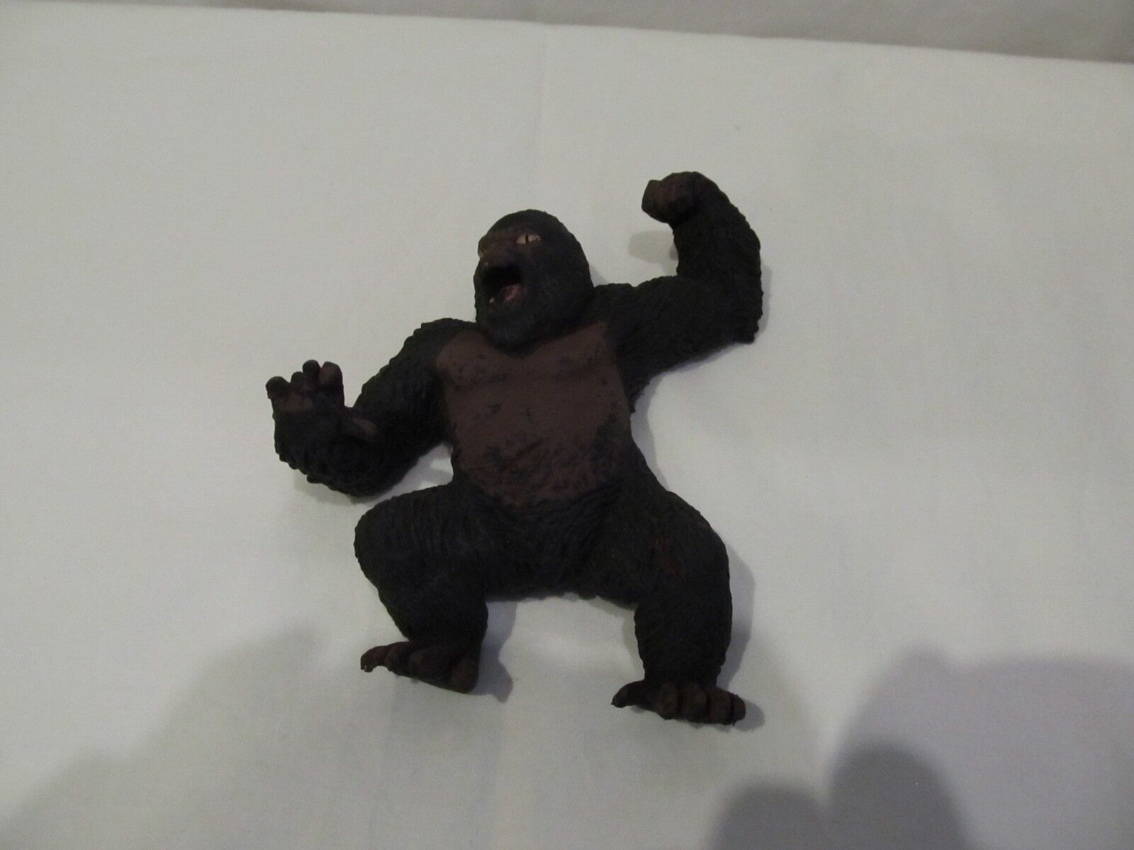 KING KONG UNIVERSAL STUDIOS FIGURE MADE OF RUBBER A RARE ITEM 2005