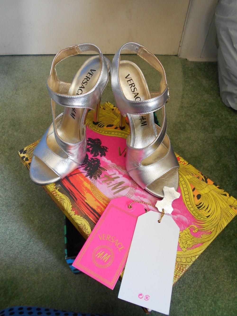Gianni VERSACE @ H&M Scarpe molto sexy 4 37 argento in pelle con scatola etichette bellissimi
