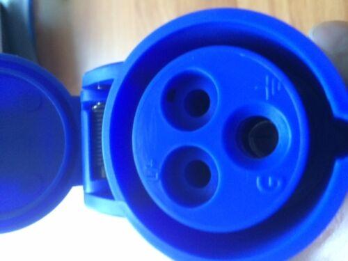 E 200-250 V IP44 Bleu 3 MK Commando K9101 Socket Connecteur 16 Amp 2 Broches