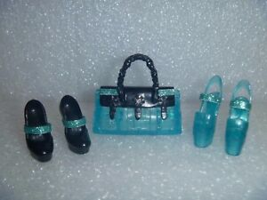 Barbie doll  CLEAR GLITTER HIGH HEEL SHOES WITH MATCHING PURSE FITS CURVY DOLLS