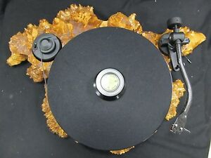 Pro-Ject-RPM-1-Carbon-Manual-Turntable