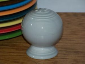 Fiesta-PEARL-GRAY-Post-86-Round-Pepper-Shaker-ONLY-Ball-Bulb-Style