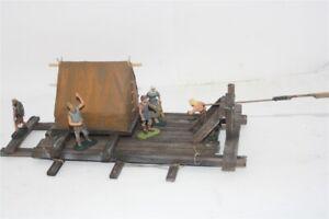 3208-Voelkerwanderung-Wikinger-Floss-mit-Zelt-zu-7cm-Sammelfiguren-Fertigmodel