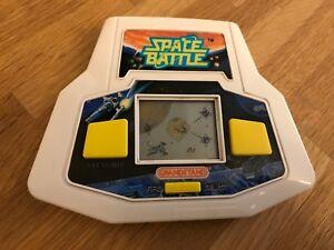 Bataille de l'espace de la tribune de la première génération de l'Ultra rare rare: jeu électronique à cristaux liquides - début de série