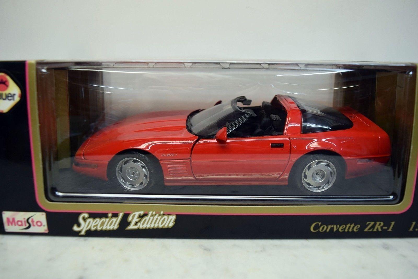 1 18 Maisto Chevy Corvette '92 ZR-1 Congreenible red, bluee