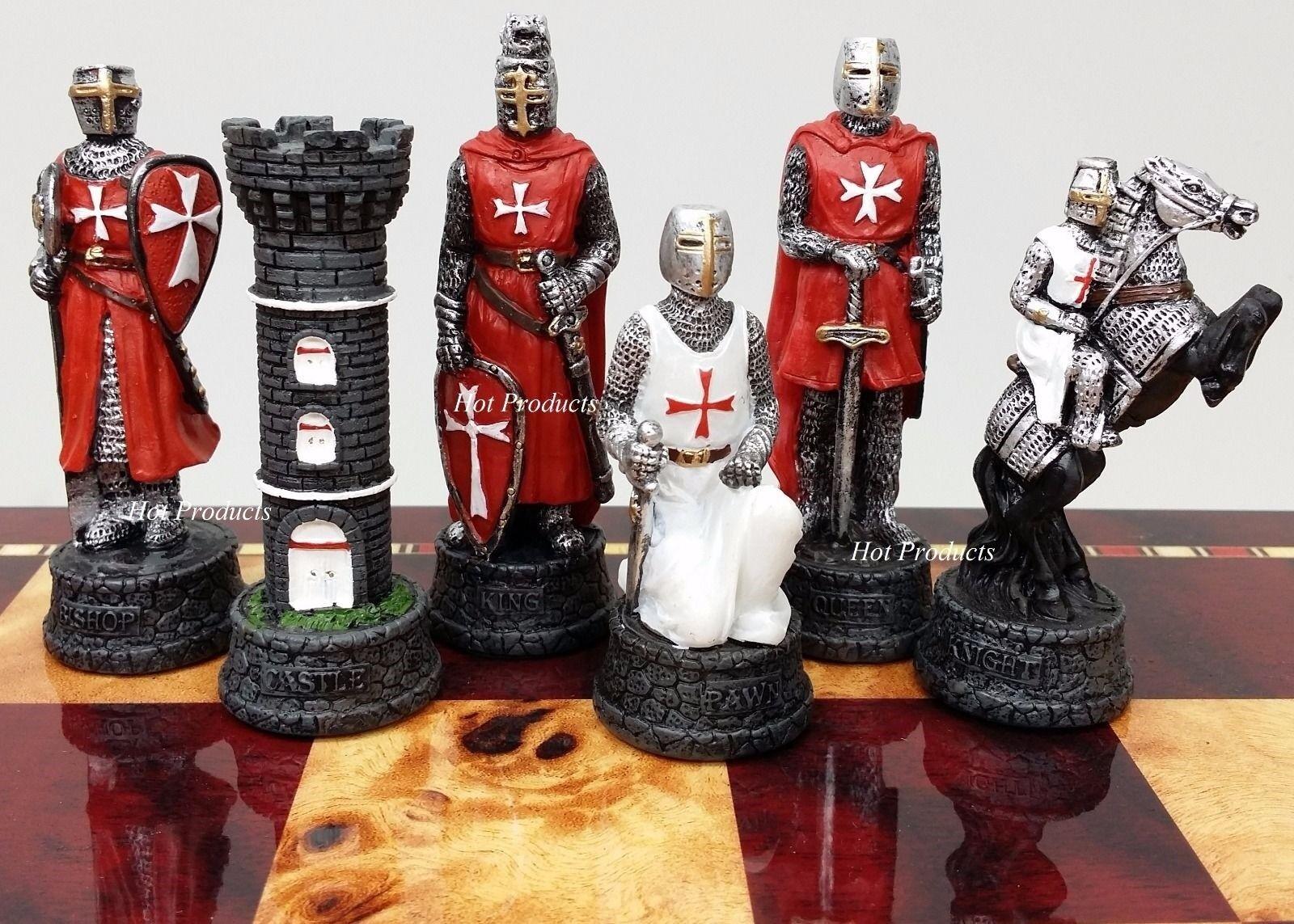 Los tiempos medievales cruzadas maltés Caballero con armadura Rojo blancoo Conjunto De Hombre De Ajedrez Sin Tablero