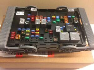 gm oem fuse relay-junction block 19210436 | ebay 2006 ford f 150 fuse block wiring diagram