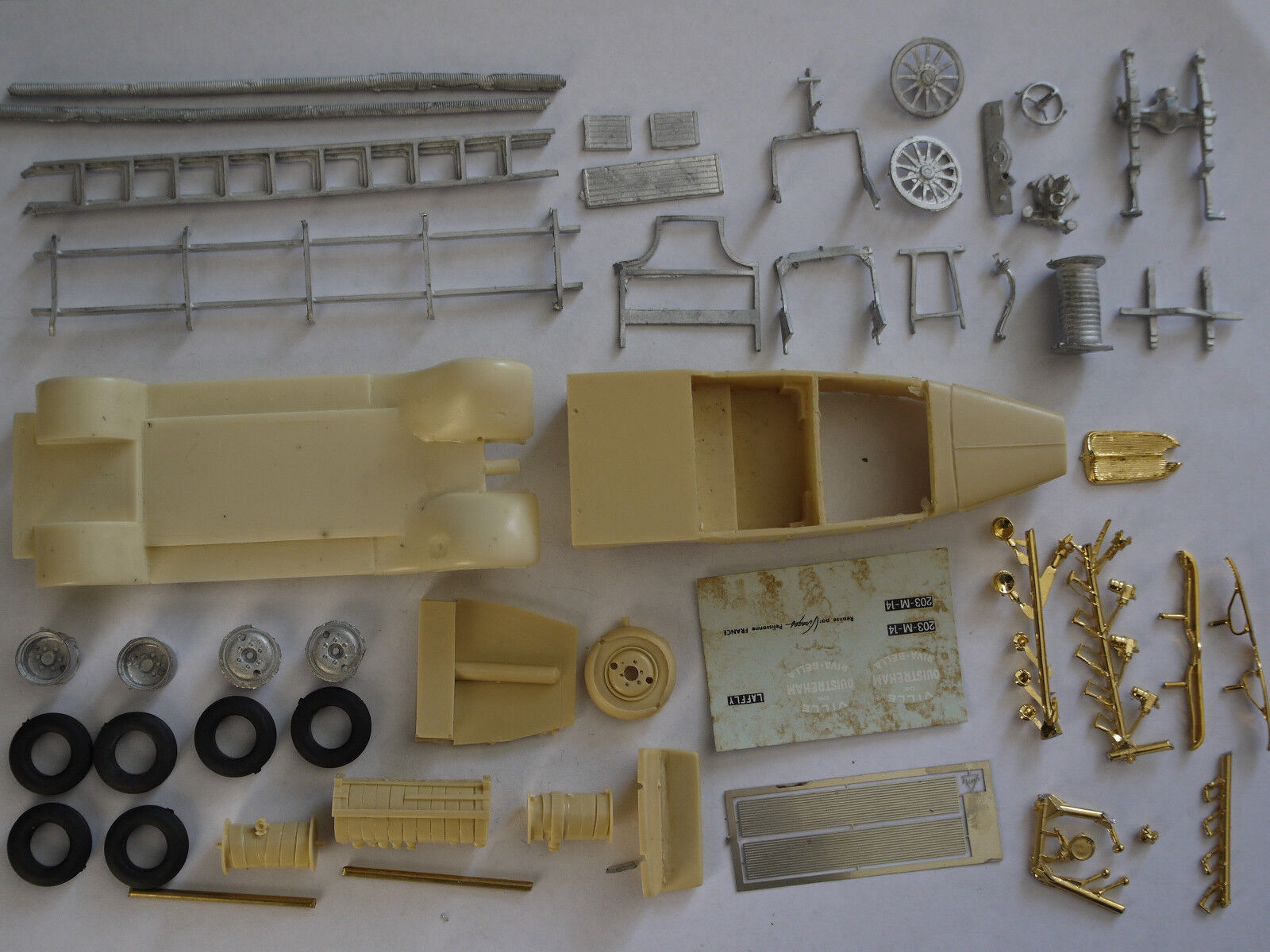 Kit pour pour pour miniature auto CCC : Peugeot Laffly torpédo premier secours b593b3