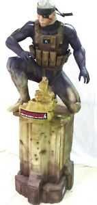STATUE-TAILLE-REELLE-METAL-GEAR-SOLID-4-220-cm