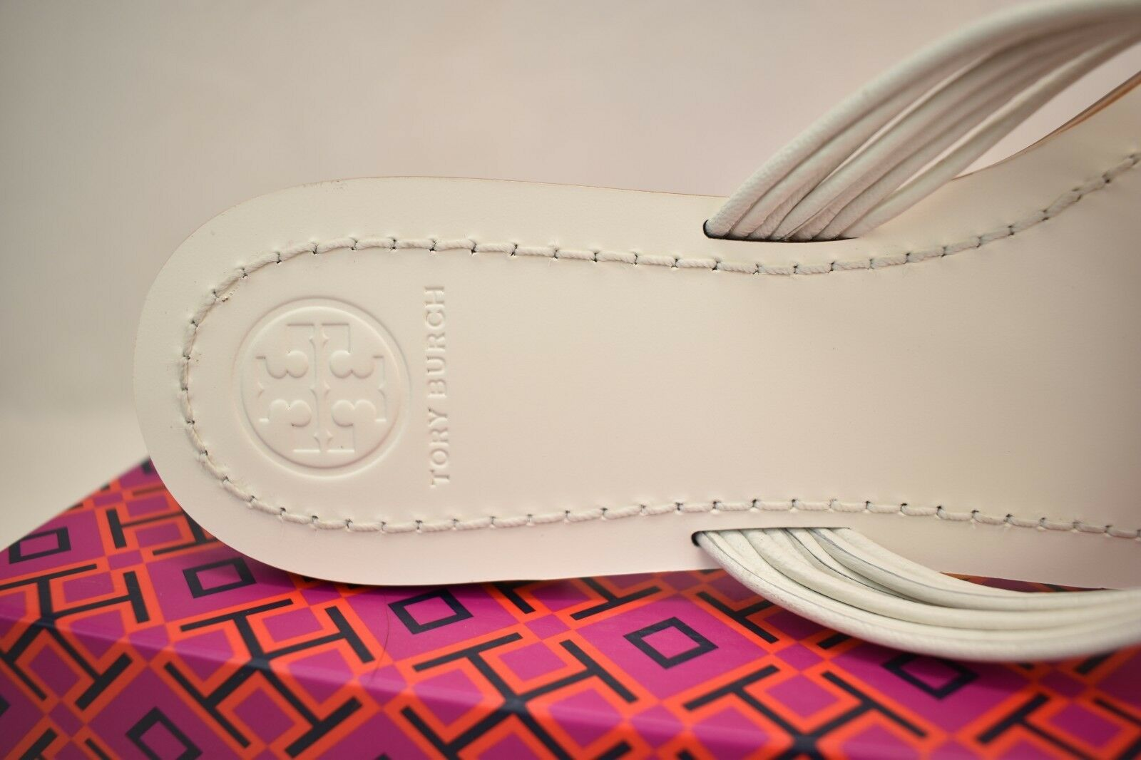 d52d4ebb103 Tory Burch Sienna White Glove Nappa Leather Reva Thong Sandals 11 for sale  online
