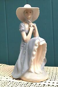 LLADRO-NAO-Girl-with-Straw-Hat-Figurine-La-Pamela-10-75-034-Porcelain-Spain