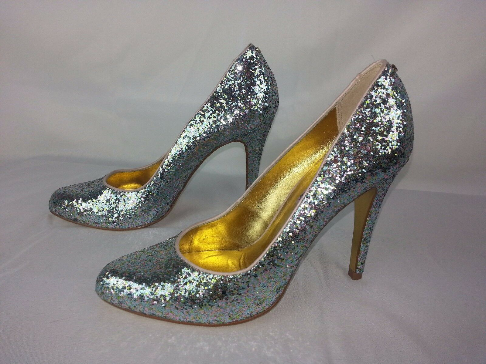 NWOB TED BAKER LONDON CINDERS Silver glitter court HEELS U.S. 8