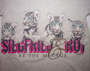 Size XL Made in USA Vintage 90s Snow Tigers Single Stitch Blue Graphic T-Shirt 100/% Cotton