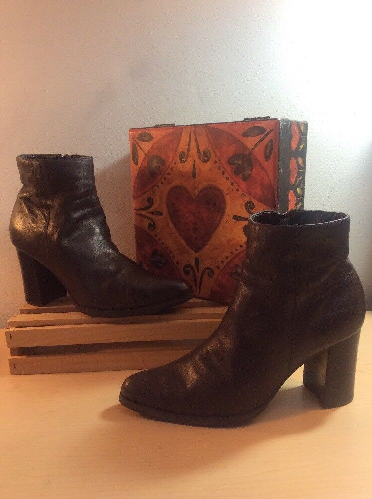 JENNIFER MOORE (Catalina) Brown Leather PointyToe Zip Chunky Heel Boots 7.5M GUC