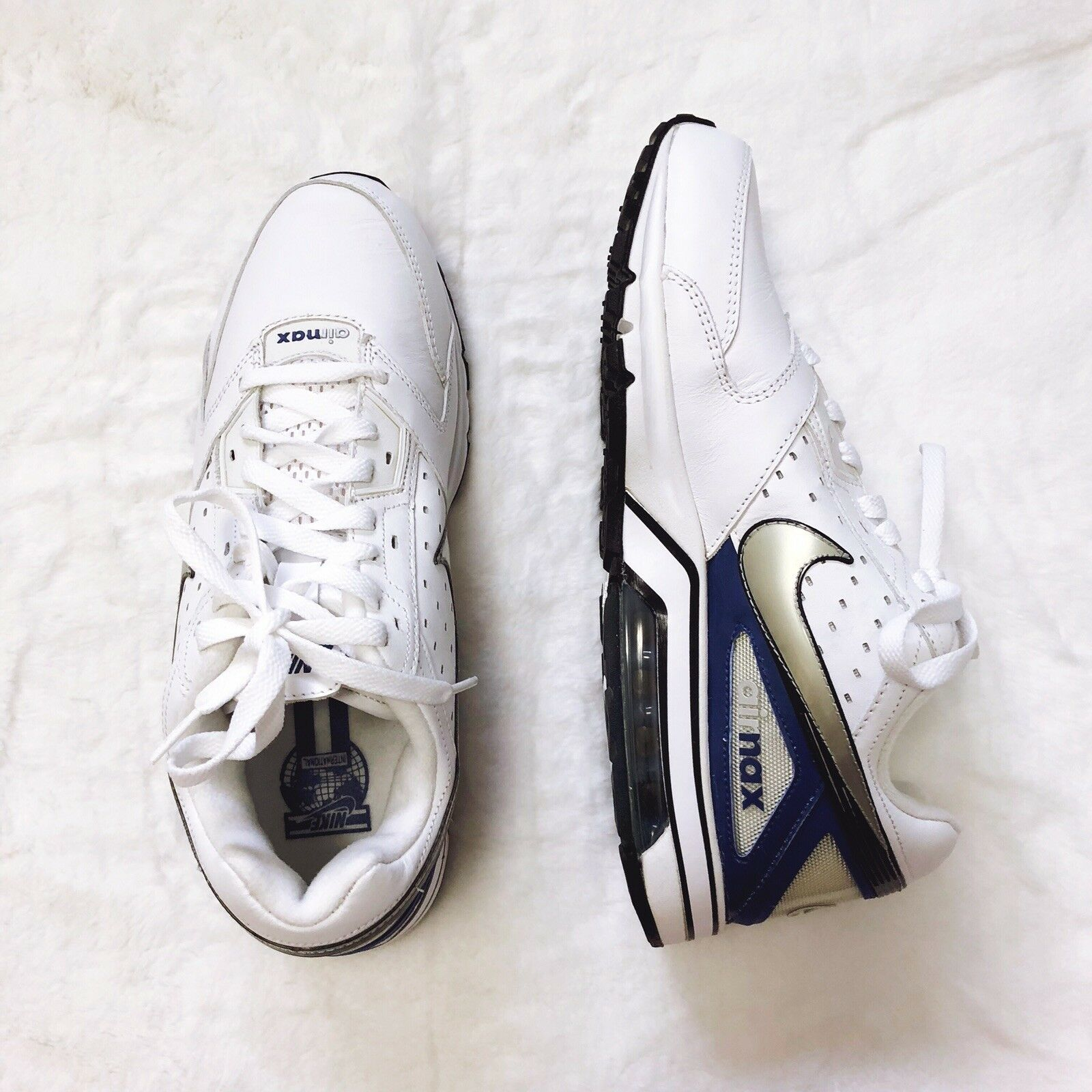 Nike Men Size 10 Air Max 2009 366017-101 White & blueee sneakers