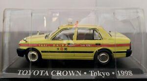 1-43-TOYOTA-CROWN-TAXI-TOKYO-1998-IXO-ALTAYA-ESCALA