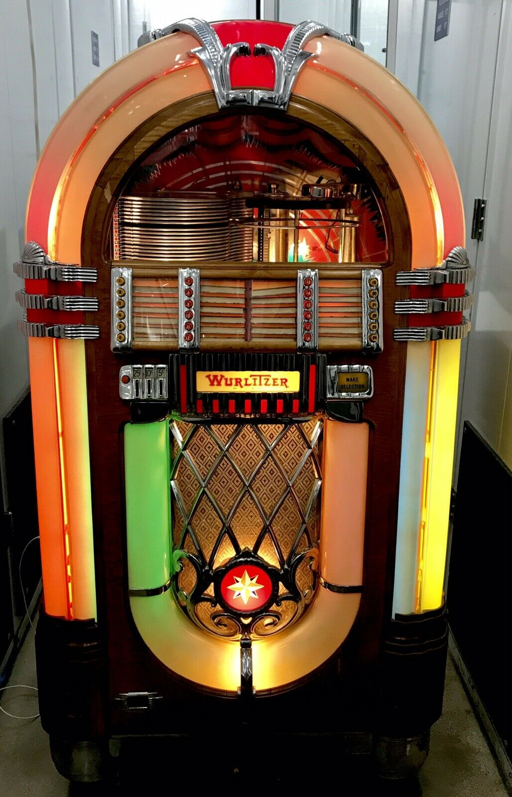 vintage jukebox                                     click here